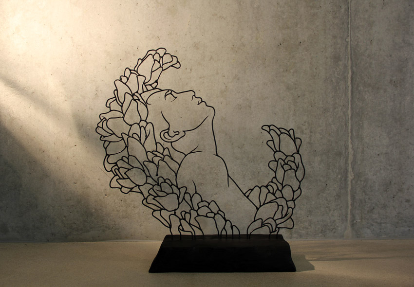 Flora Series Gavin Worth wire sculpture