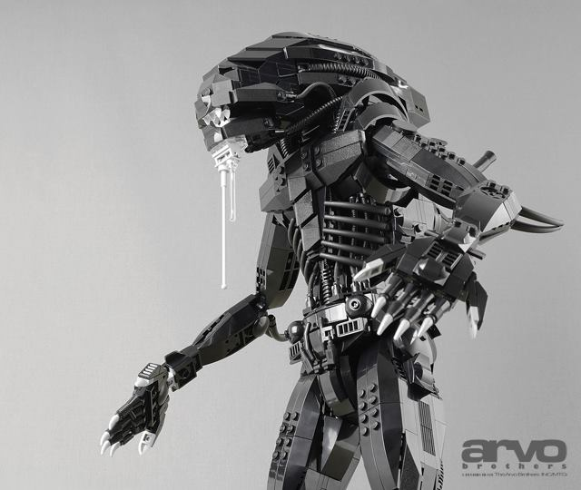 cool-custom-lego-xenomorph-from-alien