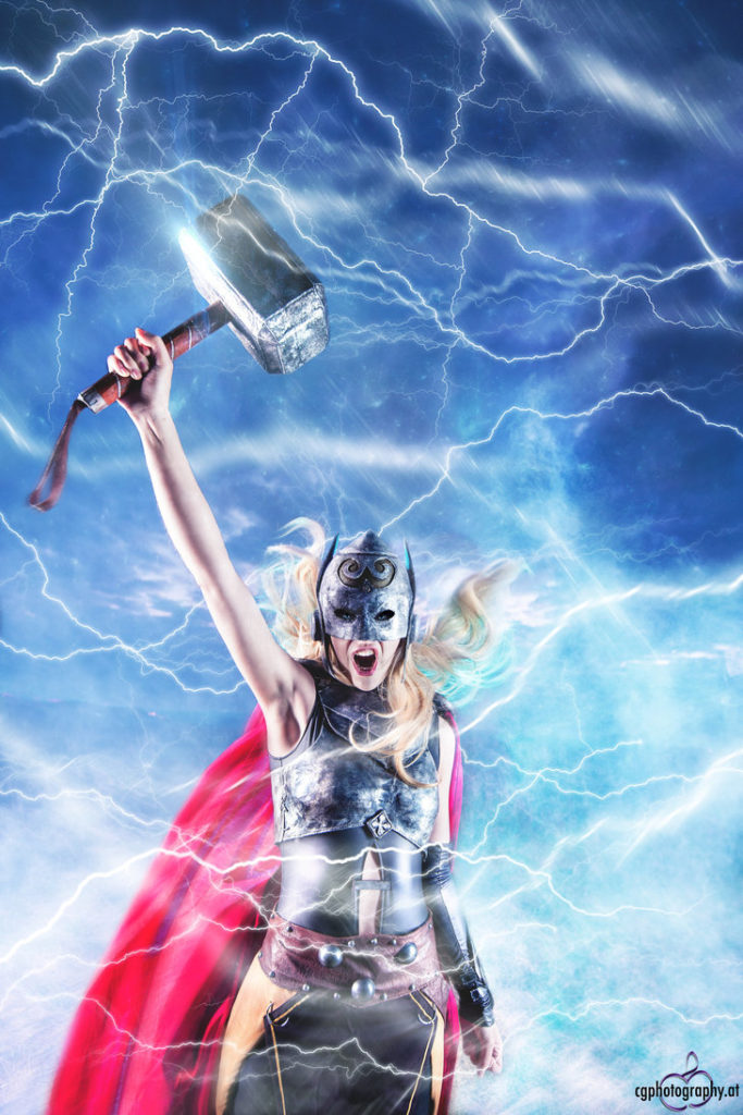 female_thor_cosplay_by_corneliagillmann