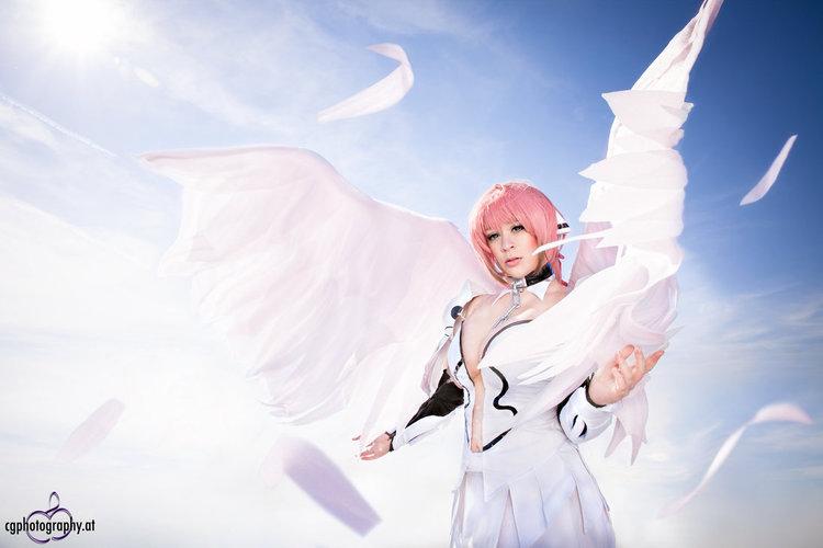 ikaros_cosplay_by_itakichan_by_corneliagillmann