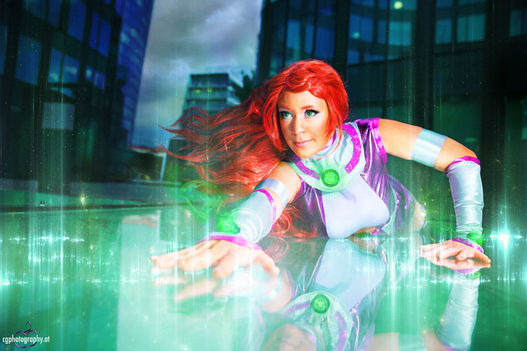 starfire_cosplay___photography_by_corneliagillmann
