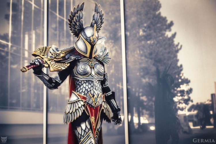 check-out-this-beautifully-awesome-might-magic-heroes-paladin-cosplay