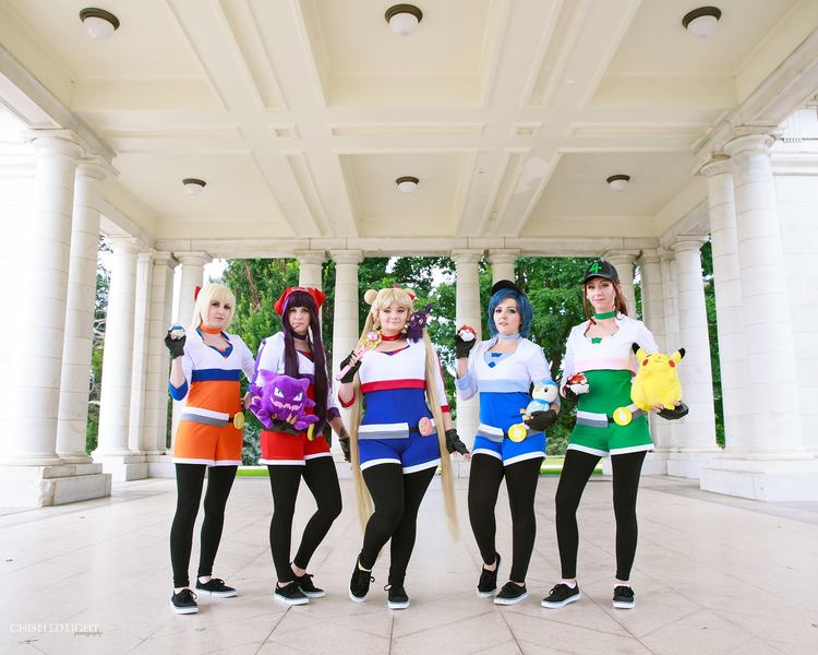 pokemon-go-and-sailor-moon-cosplay-mashup 4