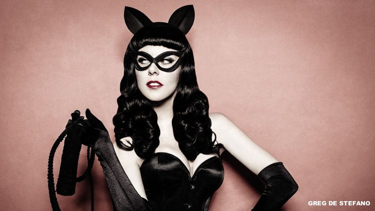 wildly-fun-rockabilly-dc-villainous-cosplay-for-harley-quinn-poison-ivy-and-catwoman5