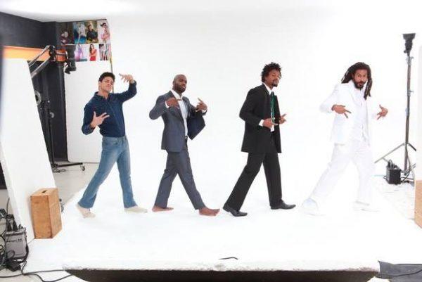 Paulo Lessa, Rafael Zulu, David Jr. e Sérgio Babucar como Beatles