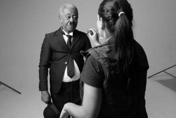 Milton Gonçalves como Charles Chaplin