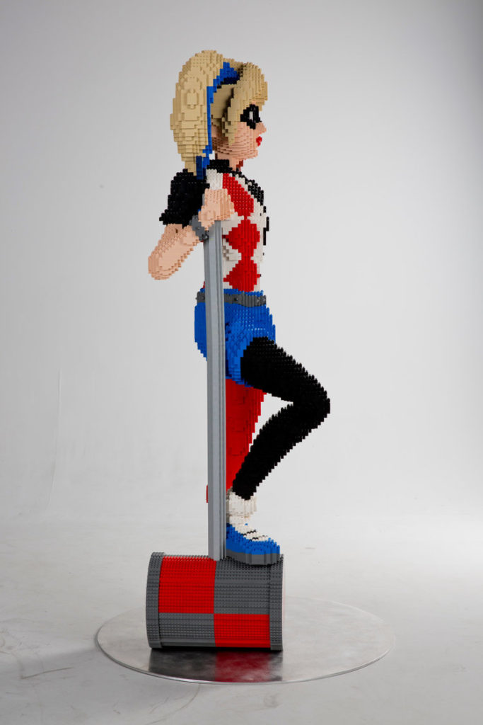 harley-quinn-life-sized-lego-statue-nycc-2